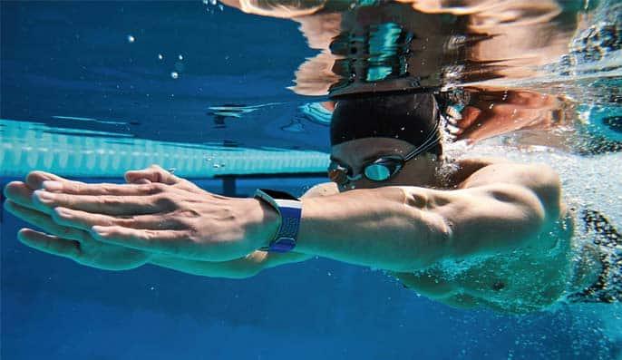fitbit ionic waterdiche smartwatch 50 meter